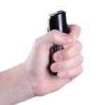 sabre-red-pepper-spray-55_hand